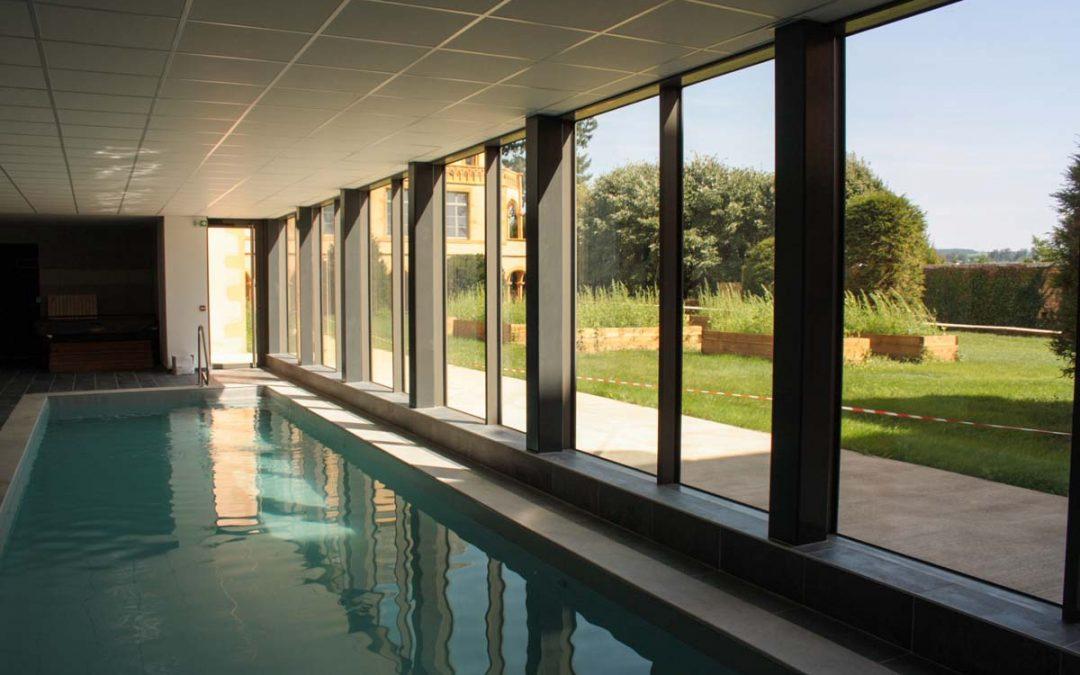 La piscine couverte et chauffée